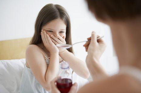 Syrop z mniszka lekarskiego dla dzieci? Od jakiego wieku można podawać syrop z mlecza na miodzie?