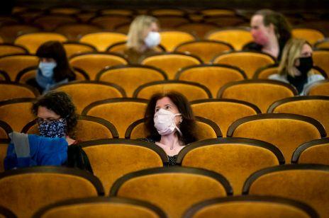Kiedy otwarcie kin i teatrów? Minister Gliński nie ma dobrych wieści