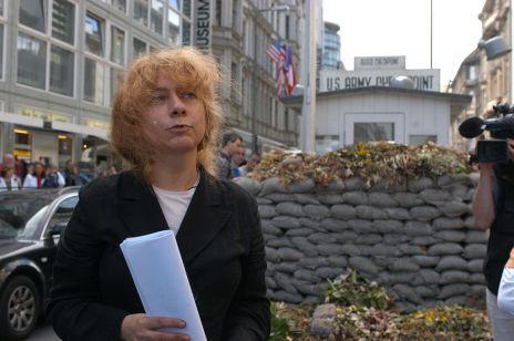 61-letnia dyrektorka Muzeum Muru Berlińskiego oczekuje 8. dziecka