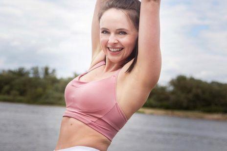 Ćwiczenia na silne ramiona. Trenuj w domu z Martą Gorącą i Kobietą.pl!