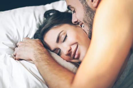 """Pozycja """"śpiący policjant"""" - idealne rozwiązanie dla seksualnych leniuszków"""