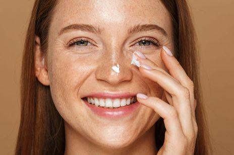 Naturalny krem do twarzy na jesień – 5 kultowych kosmetyków od polskich marek