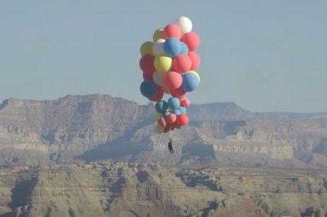 Słynny iluzjonista przeleciał z balonami nad Arizoną. Ten filmik jest hitem Youtube'a