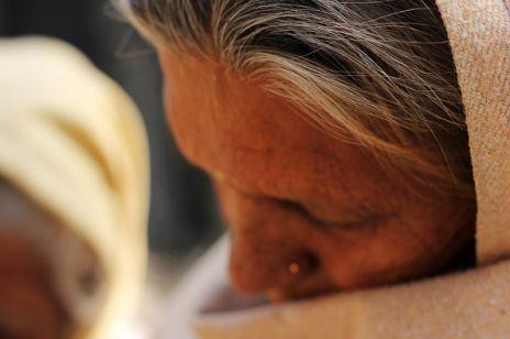 Gwałt na 86-letniej kobiecie w Indiach. Organizacje feministyczne domagają się kary śmierci dla sprawcy
