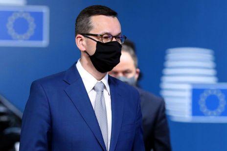 Żółta strefa w całej Polsce. Od 10 października obowiązek noszenia maseczek. [NOWE OBOSTRZENIA]