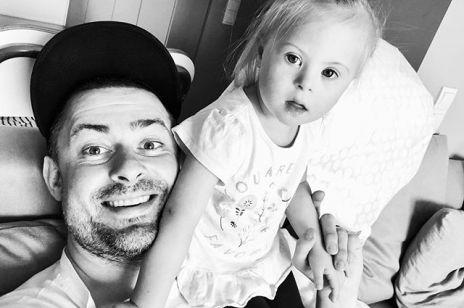 Od trzech lat jest szczęśliwym tatą Jagódki, która ma zespół Downa. Bartek Królik skomentował wyrok TK w sprawie aborcji