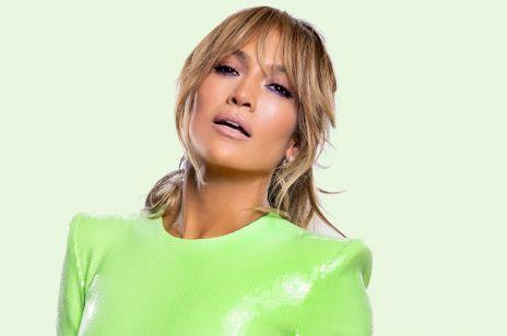 """Koronawirus kontra Jennifer Lopez. Ta gwiazda mówi """"NIE"""" starym dresom i wyciągniętym bluzom. Bądź jak ona i zrób sobie """"DIOR DAY""""!"""