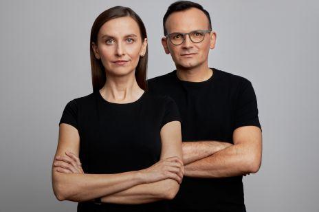 """Sylwia Spurek i jej partner przeciwko przemocy wobec kobiet: """"Kobiety od dziecka uczy się, że mają być miłe i posłuszne"""""""