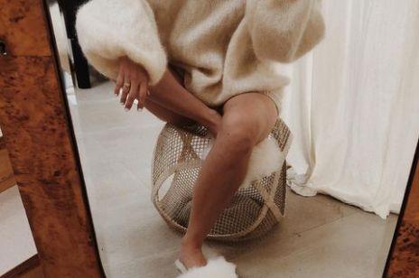 Te kapcie emu z futerkiem to totalny hit wśród stylistek i redaktorek mody. Magazyny sklepów pustoszeją!