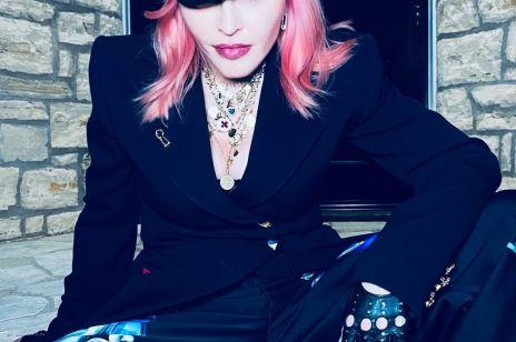 Pierwszy tatuaż w wieku 62 lat. Coś takiego mogła zrobić tylko Madonna!