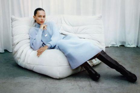 Sukienka na zimę: najpiękniejsze modele sukienek, które świetnie wyglądają ze swetrami i zimowymi płaszczami