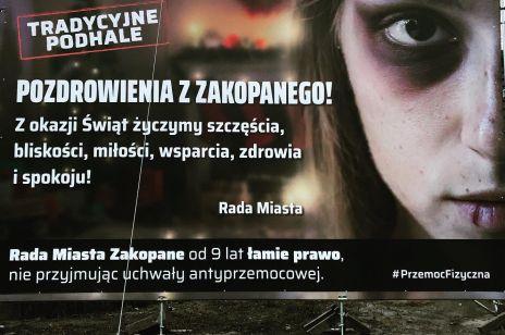 """W Zakopanem pojawiły się billboardy z mocnym przesłaniem: """"Chciałbym, żeby tata przestał bić mamę"""""""