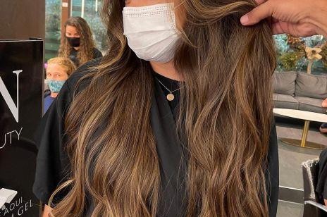 Maska humektantowa to najlepszy przyjaciel dla Twoich włosów. Jak ją stosować, by osiągnąć olśniewający efekt?