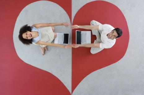 Boisz się, że Twój związek na odległość nie przetrwa? Oto porady, które pomogą Wam go utrzymać
