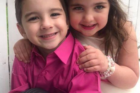 """Rodzice przez 20 godzin wyciągali z włosów córki 150 rzepowych kulek: taki był finał """"niewinnej"""" zabawy rodzeństwa"""