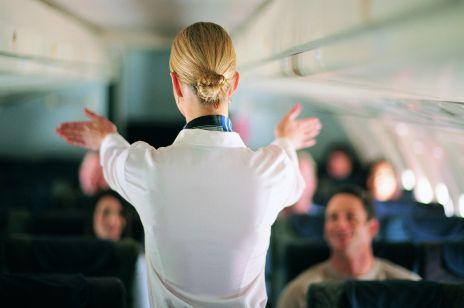"""Stewardessa odznaczona w pamiętnej załodze kapitana Wrony zwolniona przez LOT. """"Jest to dla mnie zaskoczenie po 26 latach pracy"""""""