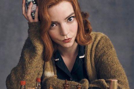 """Fryzjerzy już mówią o """"efekcie Gambitu Królowej"""". Rude włosy chce nosić coraz więcej kobiet. Komu pasują? [GALERIA]"""