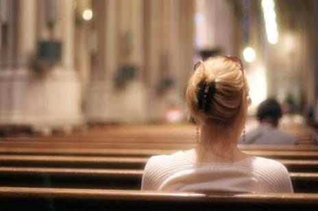 Życzenia z okazji dnia kobiet, które wywołały burzę. Czego duchowni chcą życzyć polskim kobietom?