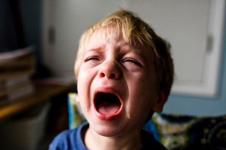 """5-latek nie chciał posprzątać zabawek w pokoju. To, co zrobiła jego mama podzieliło Internautów: """"Okrutna kara dla dziecka"""""""