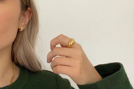 """Biżuteria dla minimalistki: 3 dodatki, które """"zrobią"""" całą stylizację"""