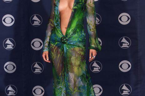 LITTLE FASHION STORY: Jak jedna skandalicznie seksowna sukienka zmieniła media, Jennifer Lopez i... Google'a!