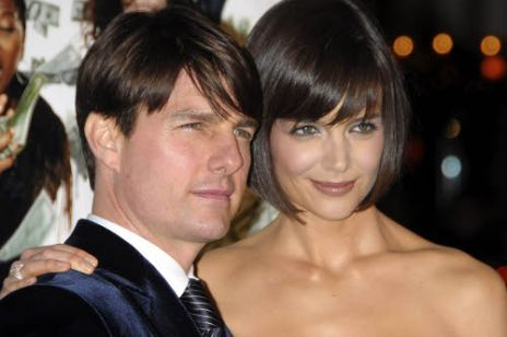 ALLONS_406193_Tom_Cruise__Katie_Holmes_11_500x366