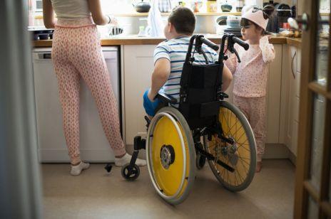 500 plus dla niepełnosprawnych wchodzi w życie. Jakie są warunki i kryteria nowego świadczenia?