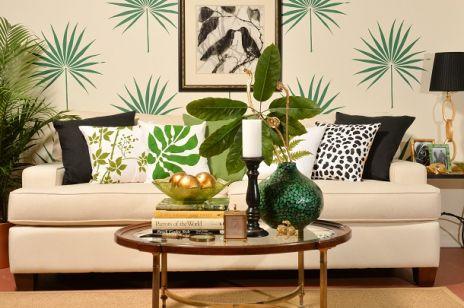 palmetto-leaf-wall-art-stencil-diy-stenciled-tropical-home-decor-trend