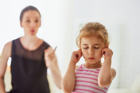 Kłótnia dziecka i rodzica