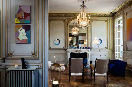 Paryski apartament czy galeria sztuki? PIĘKNE WNĘTRZE