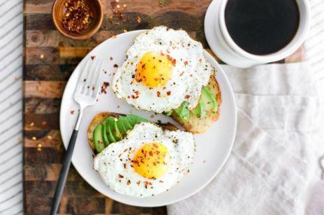 Co mówi o tobie sposób, w jaki jesz jajko?