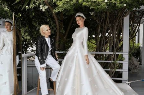 "Miranda Kerr w sukni ślubnej Dior w ""Vogue"""