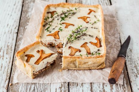 Grzybowa tarta z serem kozim
