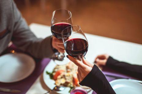 Kobiety, które często spożywają alkohol są mądrzejsze? Tak twierdzą naukowcy!
