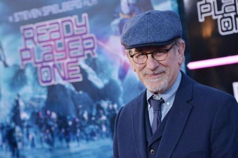Steven Spielberg boi się przyjechać do Polski: grozi mu WIĘZIENIE?