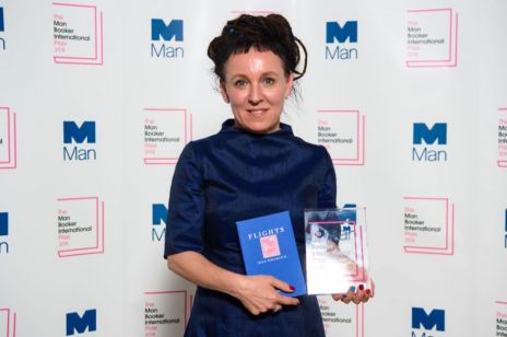 "Olga Tokarczuk laureatką Nagrody Bookera 2018 za książkę ""Bieguni"""