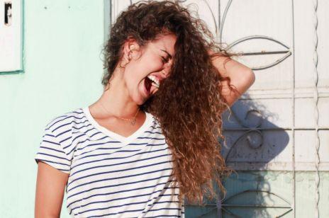 Sposób na przesuszone włosy
