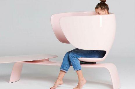 Powstała ławka dla mam karmiących piersią. Czy kobiety powinny się wstydzić?