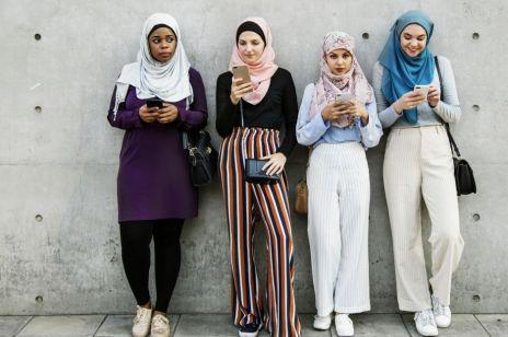 Iranki nie chcą zakrywać głów: idzie rewolucja obyczajowa?