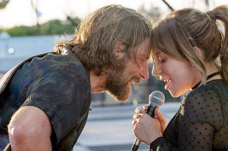 """Lady Gaga i Bradley Cooper po raz pierwszy zaśpiewali na żywo """"Shallow"""". To trzeba zobaczyć!"""