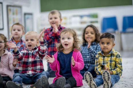 Żłobki i przedszkola tylko dla zaszczepionych dzieci to już nie pogróżki: te miasta to wprowadziły