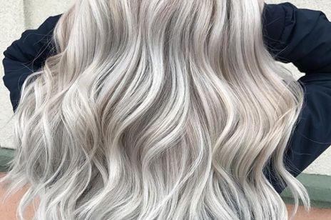 Ash silver hair - modny kolor włosów na wiosnę