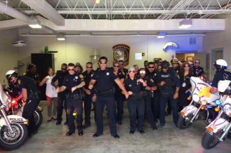 Tańczący policjanci z Virginii mają lepszą oglądalność niż polska telewizja?