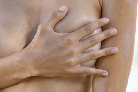Jak rozmiar piersi wpływa na naszą aktywność fizyczną? – nowe badania