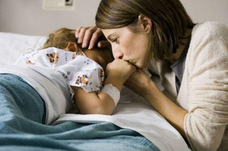 Ile kosztuje noc w szpitalu z dzieckiem? Rodzice wciąż słono płacą