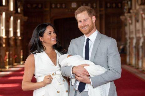 """Meghan Markle skrytykowana za duży brzuch po porodzie: """"Wygląda, jakby urodziła bliźnięta"""""""