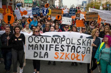 Pozew przeciwko nauczycielom: rodzice chcą odszkodowania za strajk nauczycieli