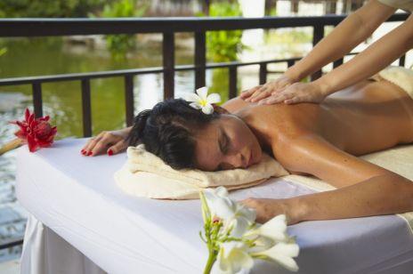 Księżycowy masaż – na czym polega ten niecodzienny trend? Będziesz zachwycona!