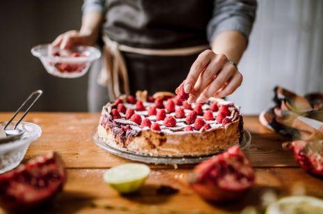 7 przepisów na pyszne desery przy Hashimoto: to mit, że nie można jeść słodyczy