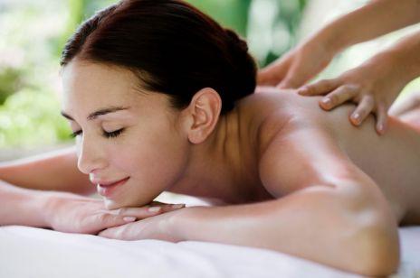 Masaż tajski – ta technika masowania jest ucztą dla duszy i ciała. Czy wiesz, na czym to polega?